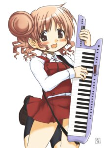 Rating: Safe Score: 6 Tags: hidamari_sketch hiro seifuku taisa User: Radioactive