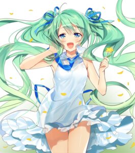 Rating: Safe Score: 36 Tags: dress hatsune_miku murakami_yuichi vocaloid User: Mr_GT