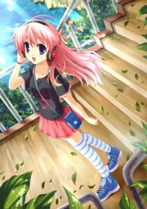 Rating: Safe Score: 38 Tags: ayakaze_ryuushou headphones thighhighs User: blooregardo