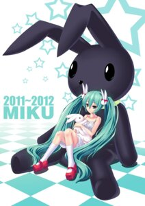 Rating: Safe Score: 30 Tags: dress hatsune_miku mizutsuki_rei vocaloid User: charunetra
