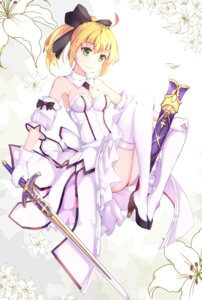 Rating: Safe Score: 63 Tags: cleavage dress fate/stay_night heels saber saber_lily sword thighhighs z_shichao User: Mr_GT