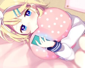 Rating: Safe Score: 46 Tags: kagamine_rin mafuyu_(chibi21) seifuku vocaloid User: charunetra
