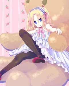 Rating: Safe Score: 15 Tags: dress gucchiann lolita_fashion pantyhose User: yumichi-sama