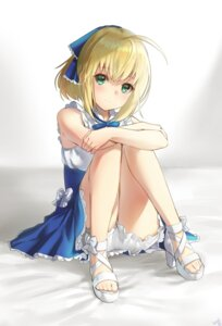 Rating: Safe Score: 91 Tags: bloomers dress fate/stay_night heels hieung saber User: nphuongsun93