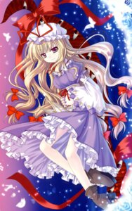 Rating: Safe Score: 10 Tags: dress heels red_ribbon touhou yakumo_yukari User: birdy73