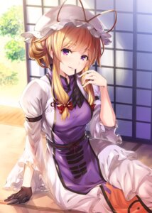 Rating: Safe Score: 55 Tags: akanagi_youto dress touhou yakumo_yukari User: Mr_GT