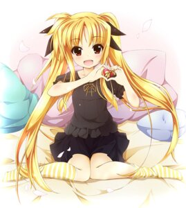 Rating: Safe Score: 46 Tags: fate_testarossa kamisaki_sora mahou_shoujo_lyrical_nanoha User: fairyren