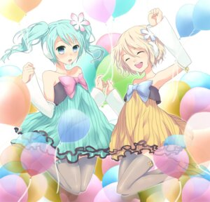 Rating: Safe Score: 18 Tags: dress hatsune_miku kagamine_rin project_diva thighhighs vocaloid zerokichi User: fireattack