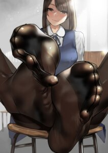 Rating: Questionable Score: 103 Tags: feet pantyhose seifuku yom User: Mr_GT