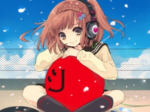 Rating: Safe Score: 43 Tags: aliasing headphones ito_noizi seifuku wallpaper User: Sunimo