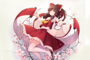 Rating: Safe Score: 33 Tags: hakurei_reimu thighhighs touhou yingji_(zszero) User: KazukiNanako