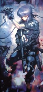 Rating: Safe Score: 33 Tags: bodysuit ghost_in_the_shell gun kusanagi_motoko User: blooregardo