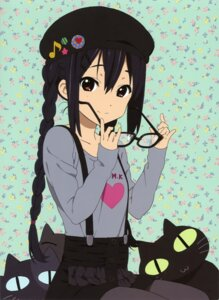 Rating: Safe Score: 58 Tags: k-on! megane nakano_azusa neko pantyhose User: PPV10
