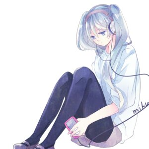 Rating: Safe Score: 30 Tags: hatsune_miku headphones pantyhose prin_dog vocaloid User: charunetra