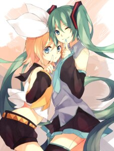 Rating: Safe Score: 15 Tags: hatsune_miku kagamine_rin tkm vocaloid User: tbchyu001