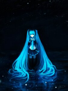 Rating: Safe Score: 17 Tags: hatsune_miku urami vocaloid User: charunetra