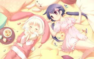 Rating: Safe Score: 61 Tags: cafe_sourire cuffs ogiwara_kyouko pajama suimya wallpaper yukishita_miyuri User: Kalafina