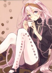 Rating: Questionable Score: 20 Tags: heels kamogawa_akira megurine_luka pantyhose sweater vocaloid User: Radioactive
