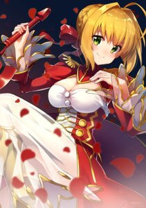 Rating: Safe Score: 32 Tags: cleavage dress fate/extra fate/grand_order fate/stay_night ichiren_namiro saber_extra see_through sword User: nphuongsun93