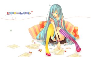 Rating: Safe Score: 16 Tags: hatsune_miku natsuki0910 photoshop thighhighs vocaloid User: Radioactive
