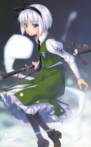 Rating: Safe Score: 24 Tags: enhance_heart konpaku_youmu pantyhose rokuwata_tomoe sword touhou User: midzki