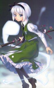 Rating: Safe Score: 22 Tags: enhance_heart konpaku_youmu pantyhose rokuwata_tomoe sword touhou User: midzki
