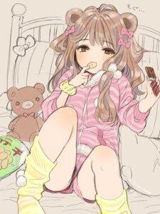 Rating: Questionable Score: 13 Tags: amezawa_koma animal_ears pajama sketch User: 736514522