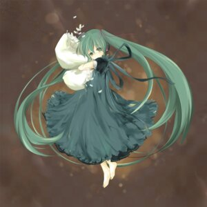 Rating: Safe Score: 25 Tags: bear dress hatsune_miku vocaloid User: Radioactive