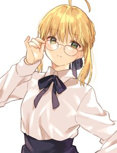 Rating: Safe Score: 30 Tags: fate/grand_order lq_saku megane saber User: Arsy