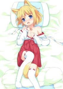 Rating: Questionable Score: 63 Tags: animal_ears kitsune komainu_akira loli miko tail thighhighs undressing User: zero|fade