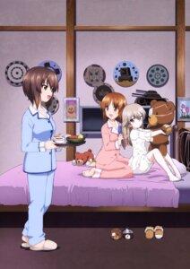 Rating: Safe Score: 19 Tags: bandages bloomers eyepatch girls_und_panzer nishizumi_maho nishizumi_miho pajama shimada_arisu User: drop