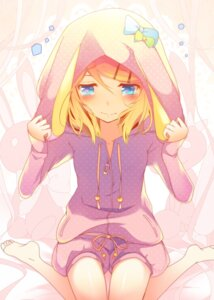 Rating: Safe Score: 34 Tags: animal_ears bunny_ears kagamine_rin temari_(artist) vocaloid User: mahoru