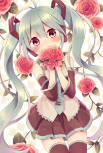 Rating: Safe Score: 38 Tags: amene_kurumi hatsune_miku thighhighs vocaloid User: 椎名深夏