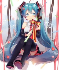 Rating: Safe Score: 47 Tags: hatsune_miku thighhighs uiyuzo valentine vocaloid User: Mr_GT
