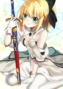 Rating: Safe Score: 39 Tags: cleavage dress fate/grand_order ichiren_namiro saber saber_lily sword User: Mr_GT