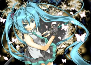Rating: Safe Score: 30 Tags: hatsune_miku sword vocaloid yuuki_kira User: charunetra