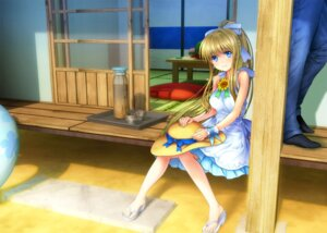 Rating: Safe Score: 36 Tags: air dress kamio_misuzu moonknives User: fairyren