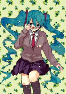 Rating: Safe Score: 15 Tags: furai hatsune_miku megane seifuku vocaloid User: charunetra