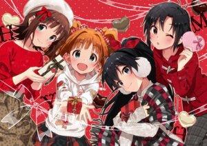 Rating: Safe Score: 31 Tags: amami_haruka ganaha_hibiki kikuchi_makoto sonsoso sweater takatsuki_yayoi the_idolm@ster valentine User: tbchyu001