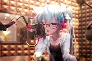 Rating: Safe Score: 81 Tags: cleavage hatsune_miku headphones megane sen_ya vocaloid User: Mr_GT