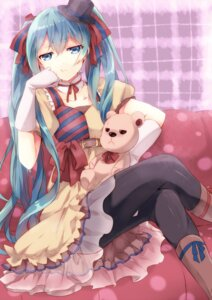Rating: Safe Score: 36 Tags: hatsune_miku punchiki vocaloid User: fairyren
