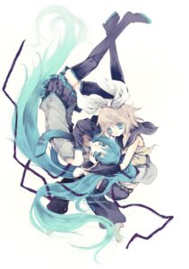 Rating: Safe Score: 11 Tags: hatsune_miku kagamine_rin ooki_bonta thighhighs vocaloid User: charunetra