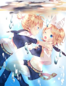 Rating: Safe Score: 22 Tags: kagamine_len kagamine_rin pirumjuice vocaloid User: mash