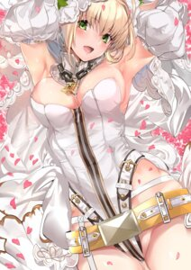 Rating: Safe Score: 88 Tags: cleavage dress fate/grand_order marushin saber_bride saber_extra User: mash