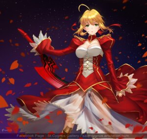 Rating: Safe Score: 28 Tags: armor cleavage fate/extra fate/stay_night pantsu saber_extra saintcygnus see_through sword User: NotRadioactiveHonest