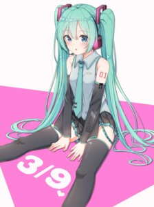 Rating: Safe Score: 38 Tags: hatsune_miku headphones tattoo thighhighs vocaloid xue_lu User: yanis