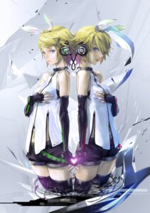 Rating: Safe Score: 31 Tags: headphones kagamine_rin kokoro_(vocaloid) redjuice vocaloid User: gh1988127