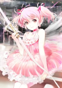 Rating: Safe Score: 40 Tags: 119 dress kaname_madoka puella_magi_madoka_magica weapon wings User: 椎名深夏