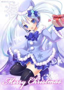Rating: Safe Score: 36 Tags: christmas hatsune_miku shimokirin thighhighs vocaloid yuki_miku User: fairyren