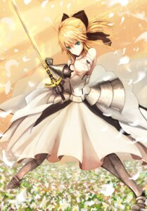 Rating: Safe Score: 38 Tags: armor dress fate/grand_order fate/stay_night heels kaze_minoru_so-ru saber saber_lily sword User: mash